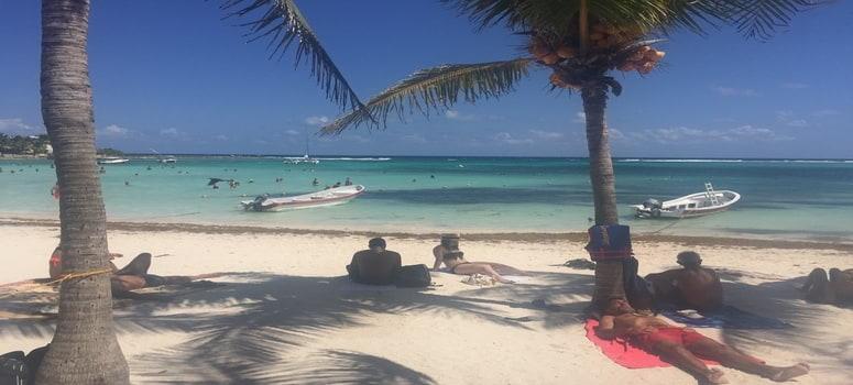 Beach In Cancun Hotel Zone